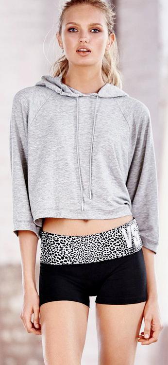 """【Victoria Secret × Short Pants】モデルたちが選ぶとしたら""""ショートパンツスタイリング"""" アイデア11選"""