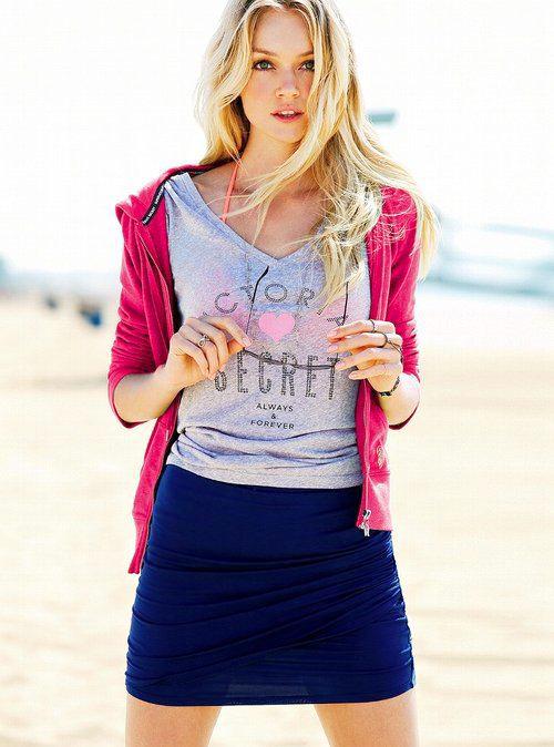 """【Victoria Secret × T-shirt】モデルたちが選ぶとしたら""""T-シャツスタイリング"""" アイデア11選"""