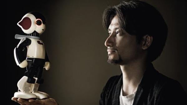 【DeAgostini×Auction Data】デアゴスティーニ:Robiは近未来を映し出す愛玩ロボットは人気を呼び高額で取引される