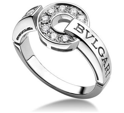 【BVLGARI×Gift Present】ブルガリ:ダイヤモンド モノロゴ K18WG リングは誕生日からクリスマスまで最適なプレゼント