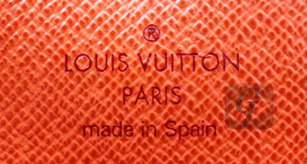 【LOUIS VUITTON 】ルイヴィトン モノグラム マルチカラー M60272 ポルトフォイユ・サラ は 新品同然のモデルがリーズナブルに買える隠れた入門モデル