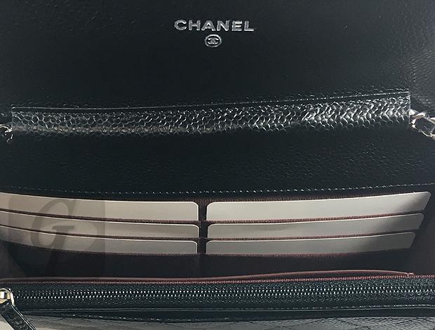 【CHANEL】シャネル マトラッセ キャビア チェーンウォレット A33814 は財布とショルダーが一体型で小柄な女性の体型にもフィットする実用性が高い魅力を引き出す優れたマストアイテム