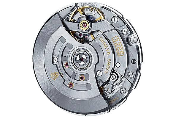 【ROLEX】GMT-Master II 126710BLRO は約230万円以上高騰した驚愕モデル